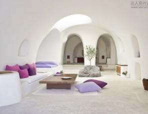 IVANA MIRCHEVSKA--Intimate haven in Santorini