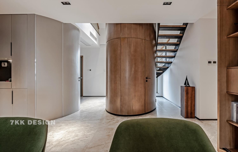 """""""复式爆改将建筑设计与室内设计完美演绎"""