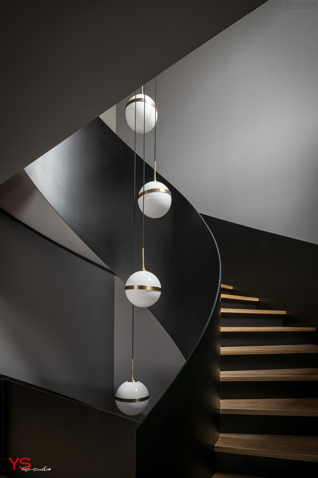 楼梯 (1).JPG
