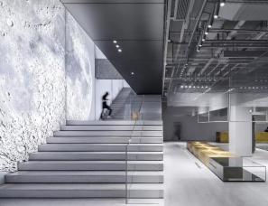 东仓建设--上海UR旗舰店 – 墟之峡谷