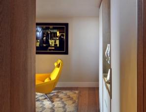 TG Studio在伦敦的一幢三层楼的复式公寓