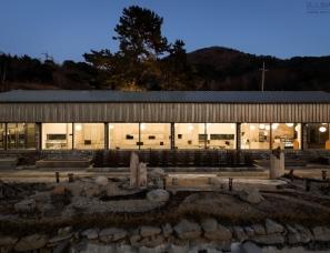 Youngbin Goh & Jaekyung Cha--在植物博物馆内的咖啡店