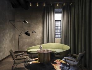 Tristan Plessis Studio--罗马章酒店