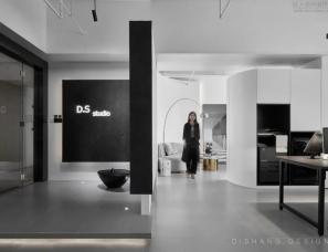 迪尚办公室:黑白灰经典格调,情怀自然满满