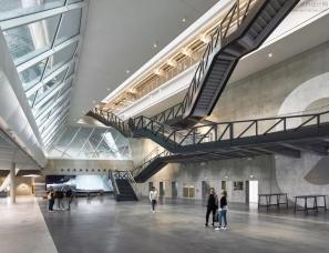 Behnisch Architekten--阿迪达斯 新总部