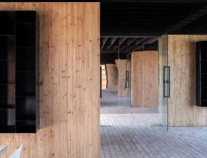 王少榕设计--树林里的图书室