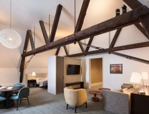 Deborah Berke Partners设计--美国Hotel Henry精品酒店