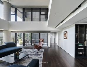 台北源原设计--结构硬朗的质感系复式大宅