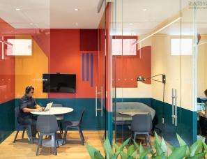 FLOAT Studio--纽约沐浴在色彩中的联合办公空间